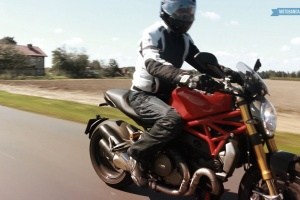 Ducati Monster 1200S - Video test.