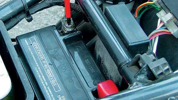 dbanie o akumulator