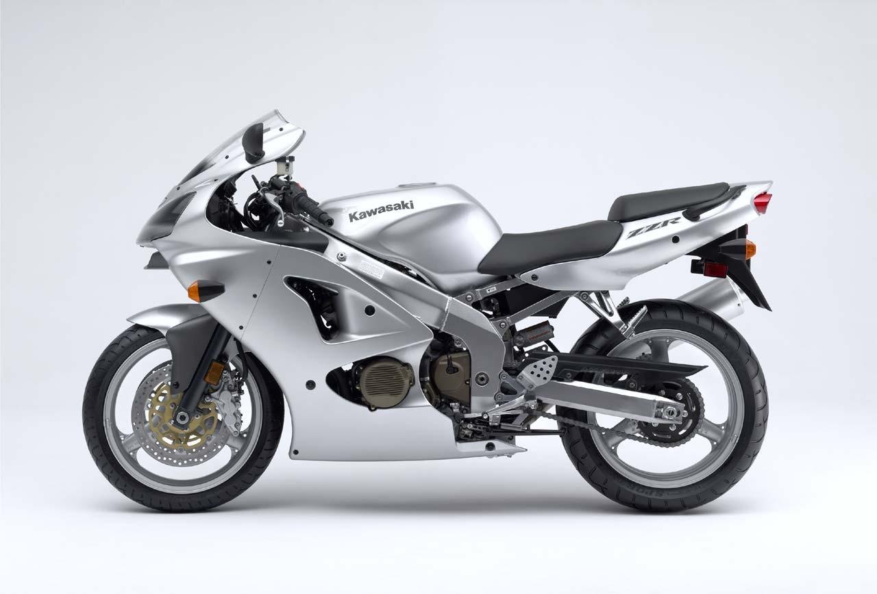 Hjc Fg 17 >> Kawasaki ZZR 600 (2006 - 2008) vs Yamaha YZF600 600 ...